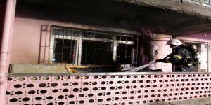 Gebze'de bir ev yangında kullanılamaz hale geldi