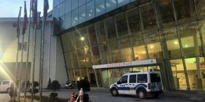 Kocaeli'de Dur ihtarına uymadı, polis memuruna çarptı