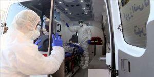 İran Kovid-19 Epidemiyoloji Komitesi Üyesi: Koronavirüs ülkede 15 milyon kişiye bulaşmış olabilir