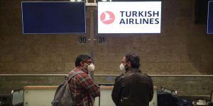 İsrail'deki Türk vatandaşları THY'nin özel seferiyle yurda getirildi