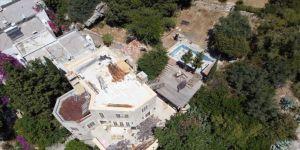 Firari Can Dündar'ın villasının kaçak bölümündeki yıkım devam ediyor