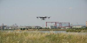 Tuzla'da bir ilk! Zorlu bölgelerde ilaçlama drone ile yapıldı