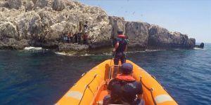 Antalya'da adada mahsur kalan 8 sığınmacı kurtarıldı