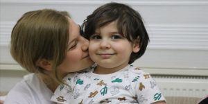 İlik nakliyle hayata tutunan çocuk, Kovid-19'u da yendi