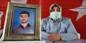 Diyarbakır annelerinden Elhaman: Nerede olursa olsun evladımı bekliyorum