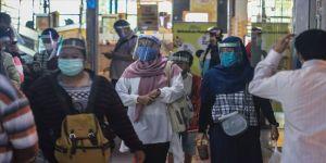 Endonezya'da en yüksek günlük Kovid-19 vaka artışı kaydedildi