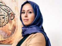 Başörtülü Niran Ünsal, Yılbaşında Perukla Sahneye Çıktı