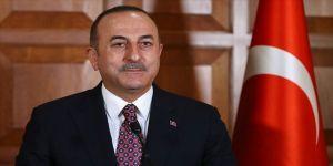 Bakan Çavuşoğlu'ndan babası ve kızıyla Babalar Günü mesajı
