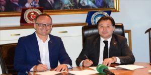 Bursaspor teknik direktör İrfan Buz ile sözleşme imzalad