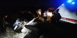 Gebze'de kontrolünü kaybeden araç su kanalına düştü