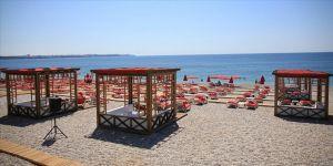 YKS için uygulanan sokağa çıkma kısıtlaması nedeniyle ünlü plajlar boş kaldı