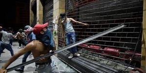 Lübnan'da ekonomik kriz protestoları sürüyor