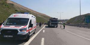Kamyon ve İşçi Servisi Çarpıştı ! 13 kişi yaralandı