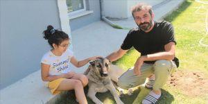 Emekli başçavuşun köpek sevgisi mesafe tanımadı