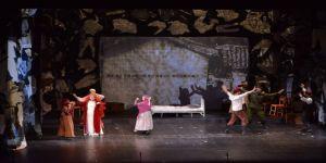 Sempozyum kitap lansmanı ve Kara Fatma Tiyatro gösterimi yapıldı