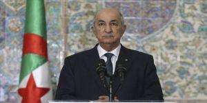 Cumhurbaşkanı Tebbun Cezayir'de anayasa referandumunun eylülde yapılacağı sinyalini verdi