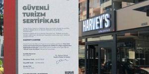 Harvey's Coffee Dediğini Yaptı!