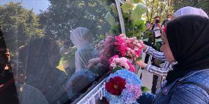 Srebrenitsalı soykırım kurbanlarının cenazeleri, Saraybosna'dan dualarla uğurlandı