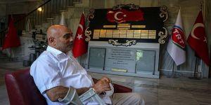 TRT binasına giderken yaralanan 15 Temmuz gazisi yaşamını koltuk değnekleriyle sürdürüyor