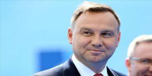 Polonya'da cumhurbaşkanlığı seçimini, sandık çıkışı anketlerine göre Duda kazandı