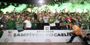 Kocaelispor'un şampiyonluğu,kutlandı