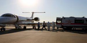 Kırgızistan'da Kovid-19 tedavisi gören 4 Türk vatandaşı ambulans uçakla yurda getirildi