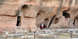 Mardin'deki Dara Antik Kenti ziyaretçilerini cezbediyor
