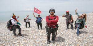 Trabzon'da 'Türkiye Yamaç Paraşütü Hedef Şampiyonası 1. Etap Yarışması' başladı
