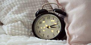 Alarm kurarak uyananlara 'biyolojik saat' uyarısı