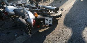 Gebze'de motosiklethakimiyetini kaybederek bariyerlere çarptı