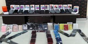 Darıca'da Sosyal medyadan kaçak telefon satanlar yakalandı