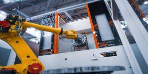 Sanayinin yeni meslekleri; robot uzmanı,siber güvenlik analisti,bulut mimarı ve sanal gerçeklik tasarımcısı