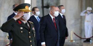 Cumhurbaşkanı Erdoğan: TSK kem gözlere karşı vatanımızın güvenliği ve bekasının teminatı olmayı sürdürüyor