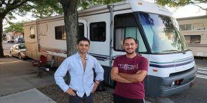 New York'ta karavanda yaşayan Türk gençleri özgürlüğün tadını çıkarıyor