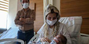 Kalpleri duran anne ile karnındaki bebeğin mucize kurtuluşu duygulandırdı