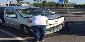 Dilovası'ndaiki aracın çarpışması sonucu kaza meydana geldi