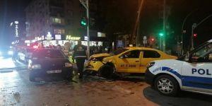 Gebze'de dört araç birbirine girdi !