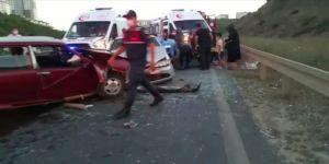 Gebze'de iki araç kafa kafaya çarpıştı ! Altı kişi yaralandı