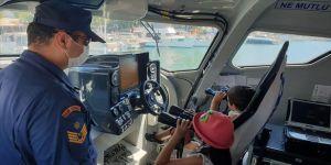 Sahil Güvenlik küçük Ayaz'ın hayalini gerçekleştirdi