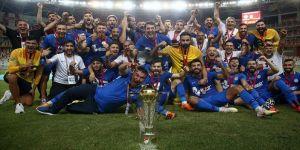 TFF 1. Lig'e çıkan Tuzlaspor şampiyonluk kupasını aldı