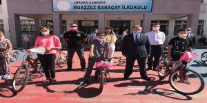 Başkentte bisikletlerini alan çocuklar bayram sevincini erken yaşadı