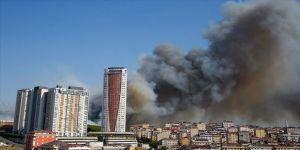 Maltepe'de askeri alanda çıkan yangın söndürüldü