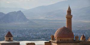 Tarihi İshak Paşa Sarayı'na Kurban Bayramı'nda yoğun ilgi