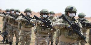 Barış Pınarı bölgesine sızma girişiminde bulunan PKK/YPG'li teröristin etkisiz hale getirildiği bildirildi.