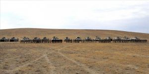 Türkiye ve Azerbaycan'ın tatbikatında helikopter ve zırhlı araçlarla operasyon yapıldı