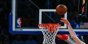 Bucks NBA Doğu Konferansı liderliğini garantiledi