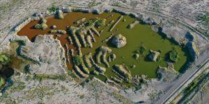 Ağrı Dağı eteklerindeki renkli sulak alanlar ilgi çekiyor