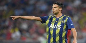 Eski Fenerbahçeli futbolcu Reyes koronavirüse yakalandı