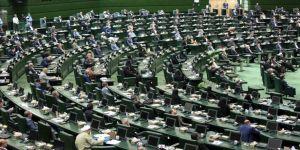 İran Meclisi, Ruhani'nin sunduğu Sanayi Bakanı adayına güvenoyu vermedi