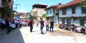 Sivas'ta sokak düğünlerine Kovid-19 kısıtlaması